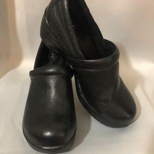 b.o.c Black Mule Clogs